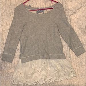 Tops - Grey sweatshirt with off white lace details